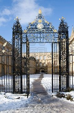 Entrance gate, New College by Oxford University Images. View and buy high quality rights managed images from inside the world famous university - University of Oxford, its colleges, departments and museums. Oxford England, Oxford United Kingdom, Oxford City, New College, British Things, Dream City, Entrance Gates, Winter Time, Places To Go