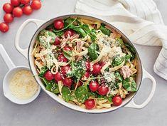 Pasta Salad, Cobb Salad, Finnish Recipes, Couscous, Chili, Dinner, Cooking, Ethnic Recipes, Food