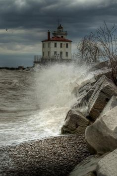 ✮ Light in the Storm - Lake Erie