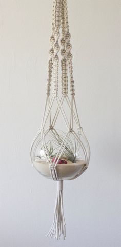 Fantastic Macrame Hanger and Beach RAW Terrarium from studioraw gen Etsy, € - Karten stempeln - Crafts Hanging Air Plants, Hanging Planters, Hanging Terrarium, Hanging Centerpiece, Macrame Hanging Planter, Terrarium Ideas, Hanging Rope, Glass Terrarium, Arts And Crafts