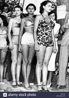 actress-sophia-loren-at-the-miss-italia-pageant-E0KTTB.jpg 982×1.390 píxeles