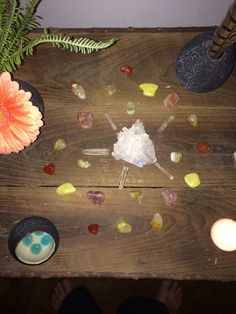 This crystal grid represents the four elements - Earth, Wind, Fire, Water. The grid is a type of grid used for personal healing!