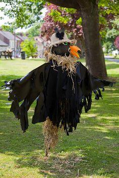 Crow scarecrow