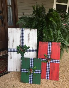 Christmas Wood Crafts, Outdoor Christmas Decorations, Christmas Signs, Christmas Projects, Simple Christmas, All Things Christmas, Winter Christmas, Holiday Crafts, Christmas Holidays