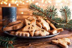 Cyril Lignac reprend les rênes de 'Tous en cuisine' (M6) ! Pendant les fêtes, le chef nous dévoile chaque soir un menu d'exception à reproduire à la maison. Zoom sur sa recette des sablés de Noël. ... Chutney, Favorite Cookie Recipe, Beignets, Crepes, Biscotti, Cookie Recipes, Pudding, Cooking, Desserts