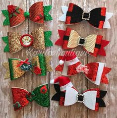 Weihnachtsmonitos - lazos y bisuteria - Haar Handmade Hair Bows, Diy Hair Bows, Diy Bow, Christmas Hair Bows, Christmas Crafts, Felt Crafts, Diy And Crafts, Bow Template, Hair Bow Tutorial
