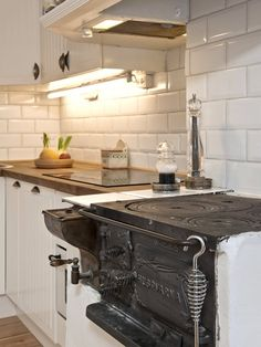 Swedish kitchen - vedspis!