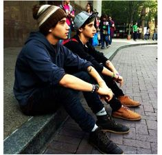 Jai and luke brooks!!! Just put me right in the middle please! ;)>>> they are so cute<<< haha duh