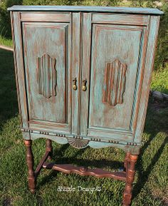 How to do color wash: Vintage Stereo Cabinet all decked out in CeCe Caldwell's Destin Green Color Wash