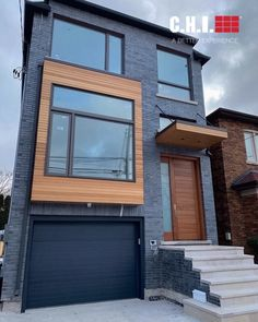 Custom field-painted Planks garage door by Smart Doors Inc. in Toronto, CA. Modern Townhouse, Townhouse Designs, Small House Layout, House Layouts, Modern Brick House, Minimal House Design, House Construction Plan, Building A Container Home, Small Modern Home