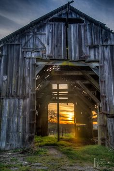 Old barn in Sonoma County shot at sunset