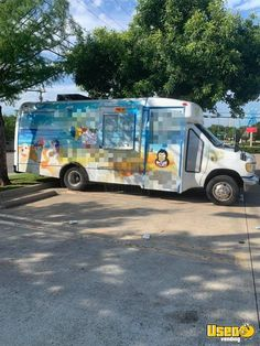 Used Ford Snowball / Sno Cone Truck for Sale in Texas! Ice Car, Ice Truck, Food Truck For Sale, Trucks For Sale, Street Food Business, Sno Cones, Step Van, Concession Trailer, Used Ford