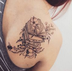 105 Buch-Tattoos für den ultimativen Leser - Buch-Tattoo-Ideen OK POPSUG . 105 book tattoos for the ultimate reader - book tattoo ideas OK POPSUG . - 105 book tattoos for the ultimate reader - book tattoo ideas OK POPSUGAR love & sex - - ideas Tattoo Buch, Lotusblume Tattoo, Tattoo Style, Shape Tattoo, Book Tattoo, Piercing Tattoo, Piercings, Tattoo Skin, Writer Tattoo