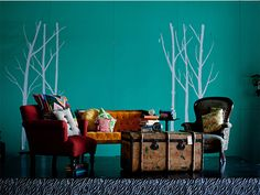 LOVE this wall color!!