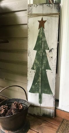 I'd like this at my front door! Rustic Tree Door Sign - Christmas Tree Plank - Christmas Rustic Pallet Wall Art - Christmas Front Door Sign - Farmhouse Decor - Rustic Christmas. - Farmhouse Christmas #ad