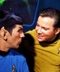 Star Trek Stills : Kirk & Spock // The Galileo Seven -- :) :) :) Star Trek 1966, Star Trek Tv, Star Wars, Star Trek Original Series, Star Trek Series, James T Kirk, Spock And Kirk, Nichelle Nichols, Star Trek Captains