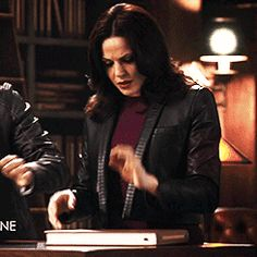'Once Upon A Time' Needs To Make Swan Queen Official, Because No Two Characters Are Better Matched
