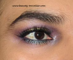 Holographic Christmas Makeup…………  @ http://www.stylecraze.com/blogs/holographic-christmas-makeup/