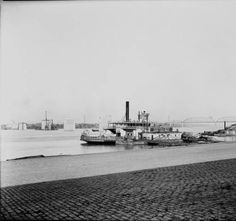 Louisville Municipal Bridge under construction, Louisville, Kentucky, circa 1928. :: R. G. Potter Collection