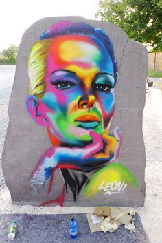 murales girl colors