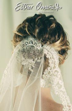 #novias velo amantillado con broche de cristales austriacos