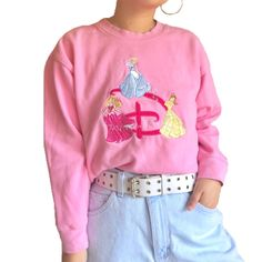 Cute Disney Outfits, Cartoon Outfits, Cute Outfits With Jeans, Cute Jeans, Aesthetic Fashion, Aesthetic Clothes, Duck Shirt, Vintage Outfits, Vintage Fashion