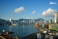 Экскурсия на вертолёте.  http://www.ritc.com.hk/
