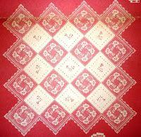 """Mais uma toalha de """"Vénus"""", a revista. O que torna este desenho original são os quadrados aplicados na diagonal.       manela"""