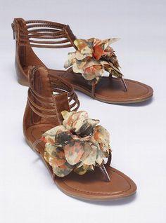 madden girl floral sandal. fun summer sandal.