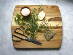 This flavorful herb butter goes with so many dishes. Try it on a sizzling steak or melted over roasted potatoes. What would pair with this delicious oregano thyme rosemary butter?Ingredients for Oregano Thyme Rosemary Butter1 /2 c. hom...
