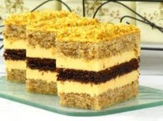 Ínycsiklandó diós szelet, különleges citromkrémmel! Ha egyszer megkóstolod, többé nem vágysz más diós sütire!
