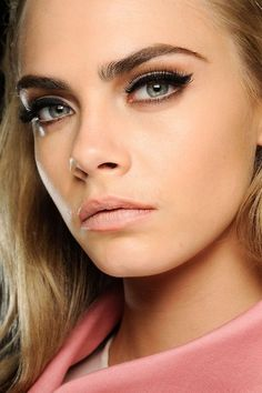 Cara Delevingne - eyebrow envy amazing winged liner cat eye makeup