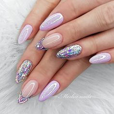 Pink manicure with sparkles Perfect Nails, Gorgeous Nails, Pretty Nails, Pink Manicure, Diy Nails, Pink Glitter Nails, Manicure Ideas, Almond Nails Designs Summer, Crome Nails