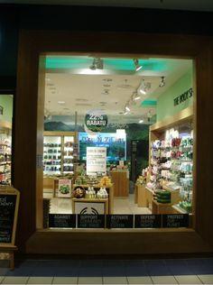 Autor: Mariusz Michałowski  Sklep The Body Shop w Blue City
