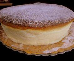 מתכון מנצח לעוגת גבינה אפויה קלאסית, גבוהה, קלילה ואפילו רזה. ללא גבינת שמנת שמנה, פשוט עוגת גבינה אוורירית ומוצלחת במיוחד! מתכון מעולה, קל וטעים!