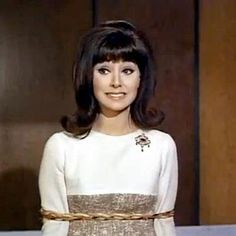 """Marlo Thomas.  """"Don't Just Do Something, Stand There!""""- Ann & Don Hollinger met in this episode of That Girl."""