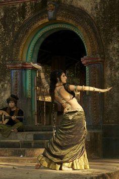 Belly Dancing Classes In Sri Lanka Dance Oriental, Belly Dancing Classes, Tribal Belly Dance, Belly Dance Music, Pre Raphaelite, Belly Dance Costumes, Tribal Fusion, Classical Art, Belly Dancers