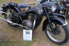 1954 honda dream 4e | motorcycle photo of the day
