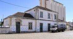 Ferroviaire en Alentejo Portugal, Diorama, Mansions, House Styles, Trains, Home Decor, Steam Locomotive, Manor Houses, Villas