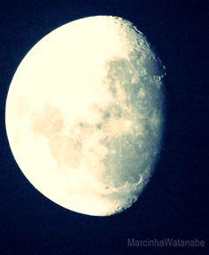A lua hj 02/04/2012