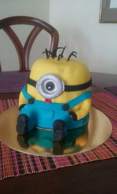 Torta Minions :) Minions, Character, Food Cakes, The Minions, Minions Love, Lettering, Minion Stuff
