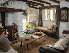 "Home Interior Design — ""Charming English cottage offers a fairytale. Style Cottage, Cottage Design, House Design, Cozy Cottage, Rustic Cottage, Cottage Lounge Ideas, Tudor Cottage, Modern Cottage, Cottage Living Rooms"