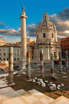 Columns of Emperors Trajan's Forum and Trajans Column . Rome Pictures, Pictures Images, Trajan's Column, Templer, Trevi Fountain, Roman History, Environment Concept Art, Ancient Rome, Roman Empire