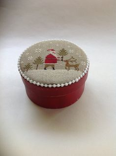 Primitive cross stitch Christmas box by Brenda by TheOldNeedleShop