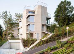 Wohnhaus am Züricher Stadtrand / Auf dem Berg am Ende der Straße