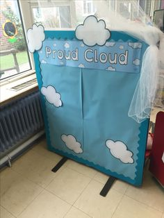 Proud Clouds - each child takes home some little clouds their parents can fill in and pin to the board. Eyfs Classroom, Classroom Board, Classroom Themes, Reception Classroom Ideas, Reception Ideas, Year 1 Classroom Layout, Bulletin Boards, Reception Layout, Reception Activities