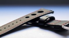 Underside of the strap: leather with rubber coating ensures maximum comfort
