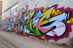 http://www.invurt.com/wp-content/gallery/sunshines-top-10-july-2015/deansunshine_landofsunshine_melbourne_streetart_graffiti_invurt_top_ten_52_2Ling.jpg