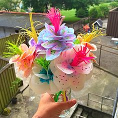 My stuff// fake flowers - paper flowers - Silk paper - paper -?watercolor - straw - decoration - skidtogkanel