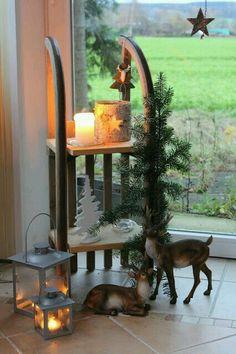 Übriggebliebene Schlitten Home Trends trend homes Noel Christmas, Rustic Christmas, Winter Christmas, Christmas Crafts, Christmas Ornaments, Navidad Diy, Xmas Decorations, Christmas Inspiration, Diy And Crafts